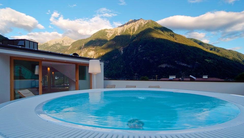 Bagno di bollicine con panorama hotel campo tures - Hotel valle aurina con piscina ...